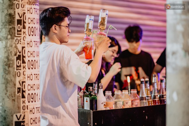 """Review quán bia úp ngược đầu tiên ở Sài Gòn: Giá rẻ, nước uống """"chất"""", ngày thường hay cuối tuần gì cũng đông như Bùi Viện - Ảnh 12."""