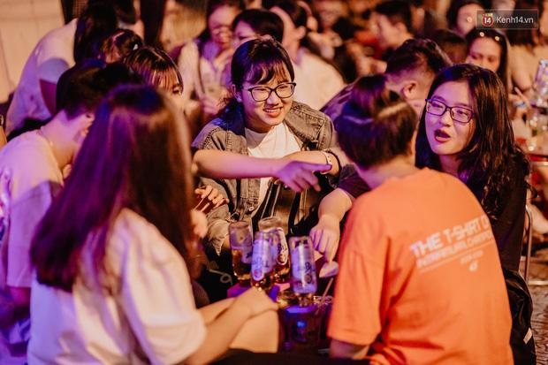 """Review quán bia úp ngược đầu tiên ở Sài Gòn: Giá rẻ, nước uống """"chất"""", ngày thường hay cuối tuần gì cũng đông như Bùi Viện - Ảnh 5."""