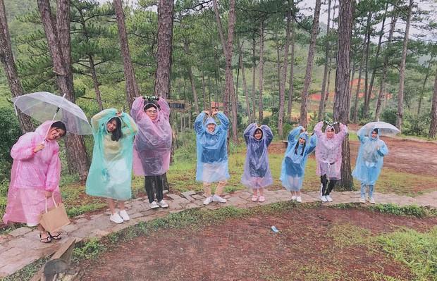 Trong lúc chờ điểm thi THPT Quốc gia thì làm gì: Hãy lên Đà Lạt và chụp bộ ảnh siêu chất như nhóm bạn này - Ảnh 5.