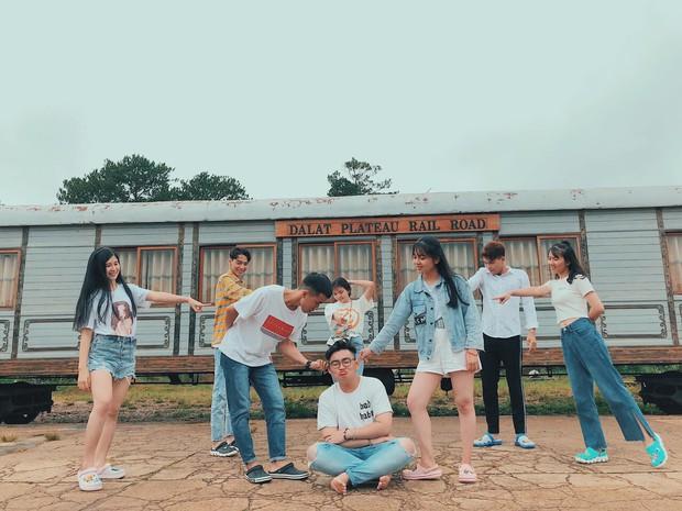 Trong lúc chờ điểm thi THPT Quốc gia thì làm gì: Hãy lên Đà Lạt và chụp bộ ảnh siêu chất như nhóm bạn này - Ảnh 10.