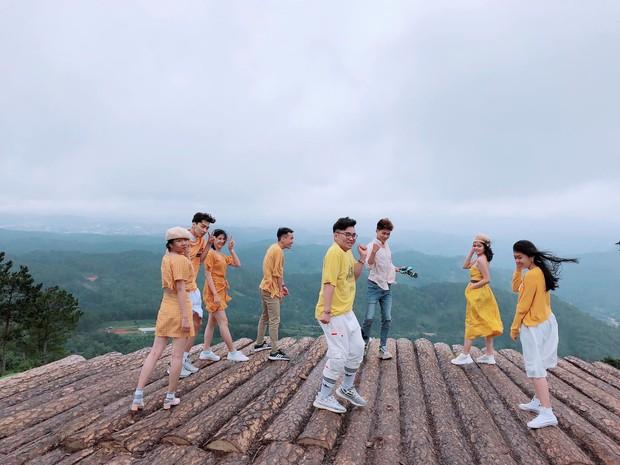 Trong lúc chờ điểm thi THPT Quốc gia thì làm gì: Hãy lên Đà Lạt và chụp bộ ảnh siêu chất như nhóm bạn này - Ảnh 4.