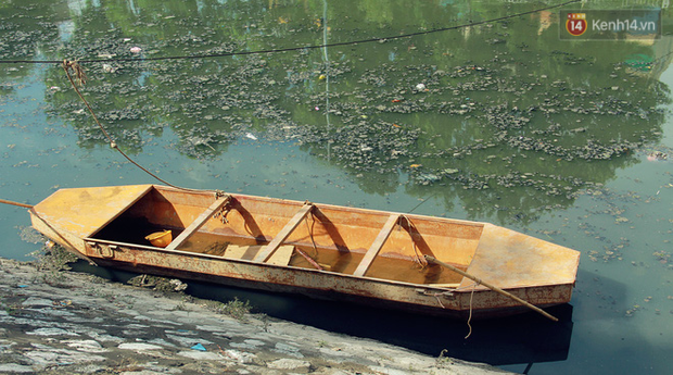 Chùm ảnh: Công nhân Hà Nội phơi mình dưới trời nắng nạo vét sông Tô Lịch - Ảnh 5.