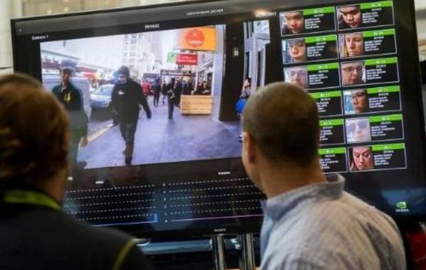 Mỹ: Dân tình phẫn nộ vì camera nhận diện khuôn mặt được cấp cho cảnh sát, chủ hãng lo quá phải rút luôn - Ảnh 2.