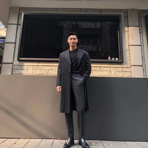 """""""Tổng tài"""" vạn người mê Park Seo Joon – không chỉ đẹp trai trên phim mà ảnh chụp vội khoe nhan sắc và body cũng là cực phẩm - Ảnh 6."""