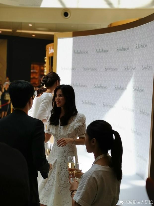 HOT: Song Hye Kyo lần đầu lộ diện sau vụ ly hôn ngàn tỷ, nhan sắc cực phẩm nhưng lại tiều tụy đến xót xa - Ảnh 8.