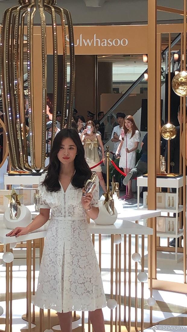 HOT: Song Hye Kyo lần đầu lộ diện sau vụ ly hôn ngàn tỷ, nhan sắc cực phẩm nhưng lại tiều tụy đến xót xa - Ảnh 18.