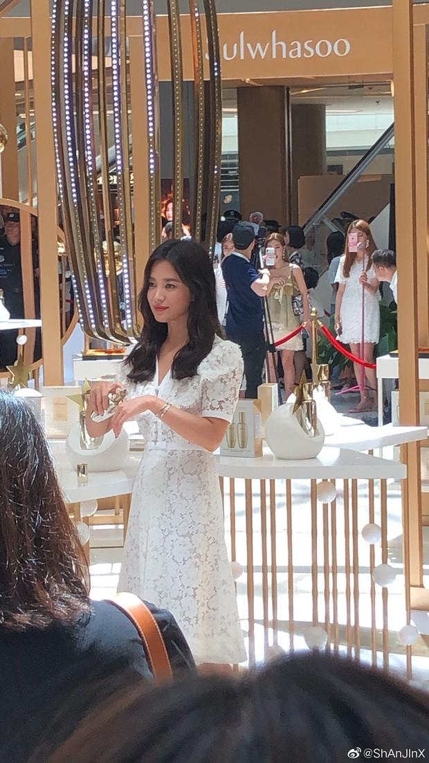 HOT: Song Hye Kyo lần đầu lộ diện sau vụ ly hôn ngàn tỷ, nhan sắc cực phẩm nhưng lại tiều tụy đến xót xa - Ảnh 15.