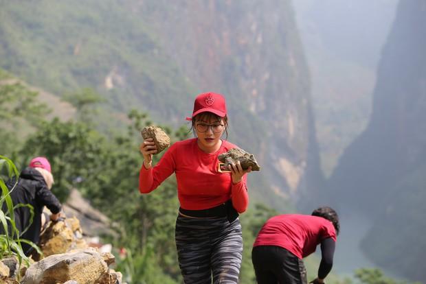 Cuộc đua kỳ thú: Các Hoa hậu tái mặt vì leo 60m thang dây, S.T - Bình An về đích đầu tiên! - Ảnh 7.