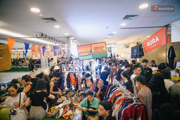 Trời Hà Nội có nắng nóng thì cũng chẳng nhiệt bằng không khí mua sắm, vui chơi của giới trẻ tại kì hội chợ The New District trong cuối tuần này - Ảnh 2.