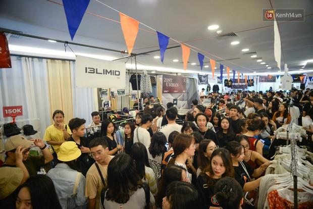 Trời Hà Nội có nắng nóng thì cũng chẳng nhiệt bằng không khí mua sắm, vui chơi của giới trẻ tại kì hội chợ The New District trong cuối tuần này - Ảnh 8.