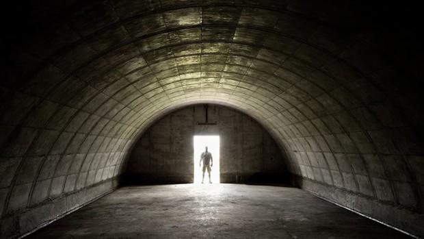 Sự thật về hầm trú ẩn của 1% người giàu nhất thế giới: Không hề tối tăm mà rất lộng lẫy, dự trữ cả sự xa hoa để từ từ tận hưởng - Ảnh 1.