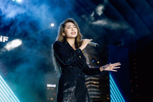 Trung Quân tổ chức liveshow đầu tiên kỷ niệm 10 năm ca hát, gợi nhiều kỷ niệm khi ôn lại loạt hit cũ - Ảnh 4.