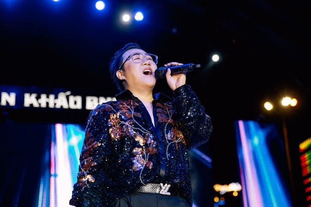 Trung Quân tổ chức liveshow đầu tiên kỷ niệm 10 năm ca hát, gợi nhiều kỷ niệm khi ôn lại loạt hit cũ - Ảnh 1.