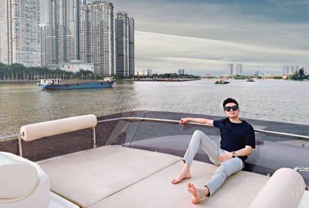 Phan Hoàng khoe du thuyền gia đình mới tậu, ngày càng quấn quýt với bạn gái Khánh Hà sau sóng gió chia tay - Ảnh 5.