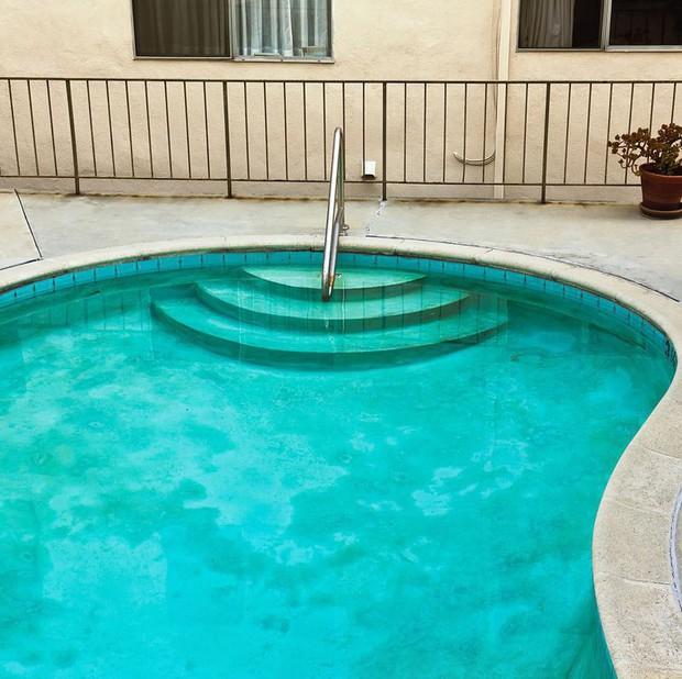 Những vấn đề cần hết sức lưu ý trước khi đi bơi ở bể bơi công cộng - Ảnh 2.