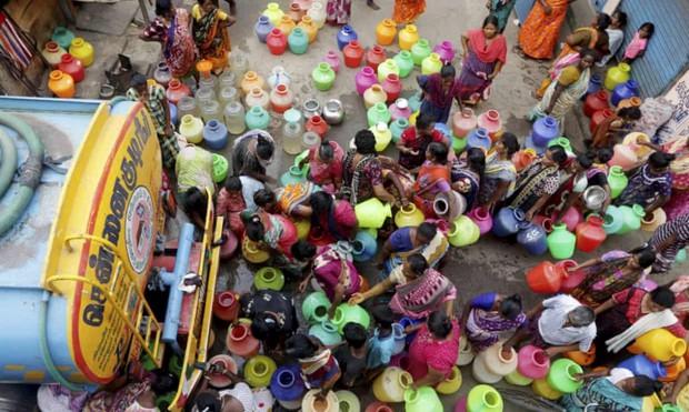 Dân vật lộn vì hạn hán, chính quyền ngấm ngầm trộm nước bán trục lợi - Ảnh 1.
