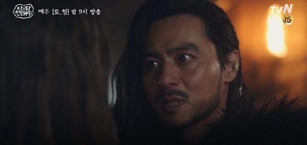 Tình cha con tương tàn: Song Joong Ki và Jang Dong Gun đối đầu siêu gắt trong Arthdal Niên Sử Kí tập 11 - Ảnh 12.