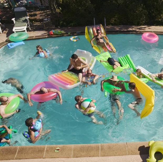 Những vấn đề cần hết sức lưu ý trước khi đi bơi ở bể bơi công cộng - Ảnh 3.