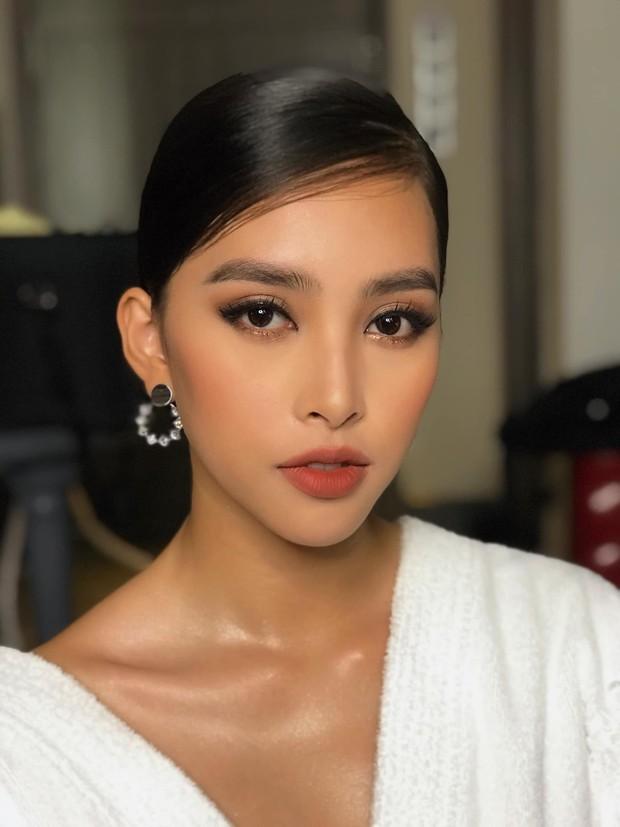 Màn họa mặt xuất sắc nhất từ trước đến nay của Hoa hậu Tiểu Vy: đẹp mê hồn, quyến rũ chẳng hề kém cạnh sao ngoại nào - Ảnh 3.