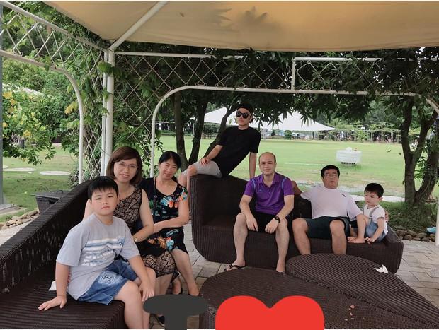Xuân Trường đeo kính đen cool ngầu đi nghỉ mát cùng gia đình - Ảnh 5.