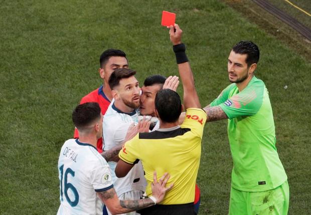 Sau chuỗi phát ngôn gây sốc, Messi đối diện với án cấm thi đấu lên tới 2 năm và có thể lỡ hẹn với hàng loạt giải đấu lớn - Ảnh 1.