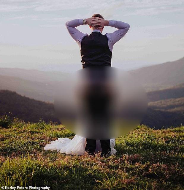 Cô dâu đăng ảnh cưới với tư thế tế nhị để chia sẻ ý tưởng chụp cho các cặp đôi khác, nào ngờ nhận về hàng loạt chỉ trích - Ảnh 1.