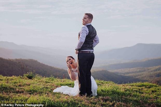 Cô dâu đăng ảnh cưới với tư thế tế nhị để chia sẻ ý tưởng chụp cho các cặp đôi khác, nào ngờ nhận về hàng loạt chỉ trích - Ảnh 2.