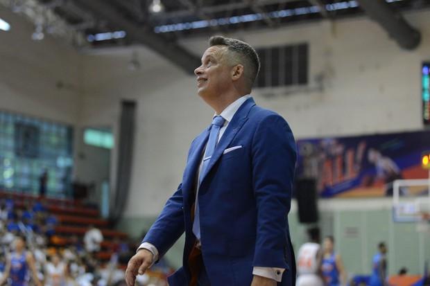 Hanoi Buffaloes bất ngờ chia tay HLV Todd Purves giữa thềm mùa giải VBA 2019 - Ảnh 1.