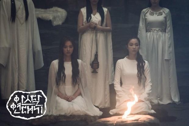 Kim Ji Won chính thức trở thành mẹ thiên hạ bằng điệu nhảy bà tổ Kpop trong Arthdal Niên Sử Kí tập 12 - Ảnh 1.