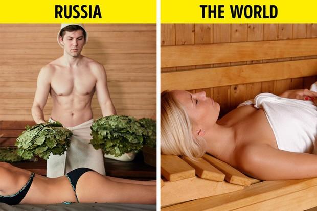 11 quy tắc độc đáo của các quốc gia trên thế giới: Đi xông hơi cũng bị đánh, 30 tuổi vẫn độc thân phải chịu ném tiêu vào người - Ảnh 8.