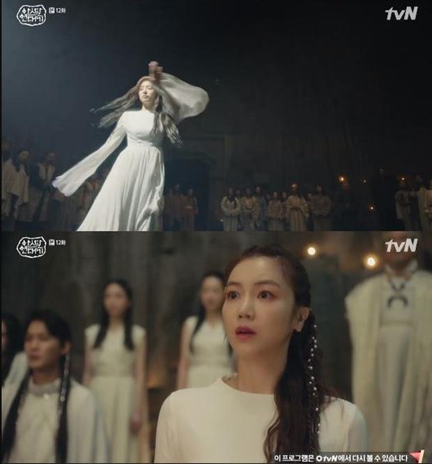 Kim Ji Won chính thức trở thành mẹ thiên hạ bằng điệu nhảy bà tổ Kpop trong Arthdal Niên Sử Kí tập 12 - Ảnh 2.