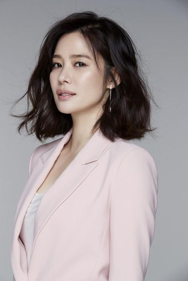 3 lí do không nên bỏ lỡ tuyệt phẩm kinh dị mới Watcher của xứ Hàn: Nhìn dàn diễn viên đã thấy ăn tiền - Ảnh 6.