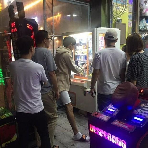 Không chỉ đứng trên sân khấu, Chanyeo; Kyuhyun và loạt nam thần Kpop còn là những cao thủ chơi game thứ thiệt - Ảnh 9.