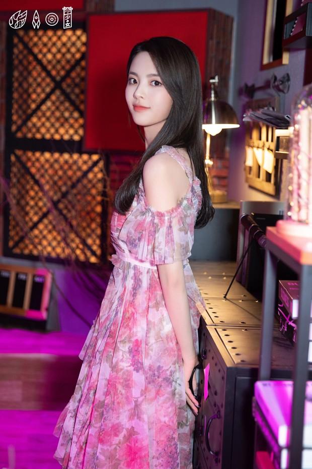 Lộ diện nữ chính Ngôi nhà hạnh phúc bản Trung: Nhan sắc gây tranh cãi khi được so sánh với Song Hye Kyo - Ảnh 13.