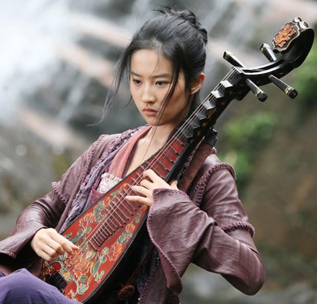 9 phim làm nên thương hiệu nữ hoàng của những bình bông Lưu Diệc Phi, đến Mulan vẫn không cứu nổi? - Ảnh 8.