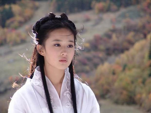 6 thiên tài họa mặt đi ăn bánh tráng trộn cũng hù chết thiên hạ: Tomboyloichoi nắm tay Mulan đi gặp crush thì ai làm lại? - Ảnh 13.