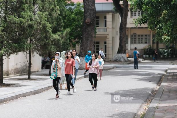 Nữ sinh con lai Việt Nga có cái tên lạ gây náo loạn tại cổng trường thi vào Học viện báo chí vì quá xinh xắn và đáng yêu - Ảnh 3.