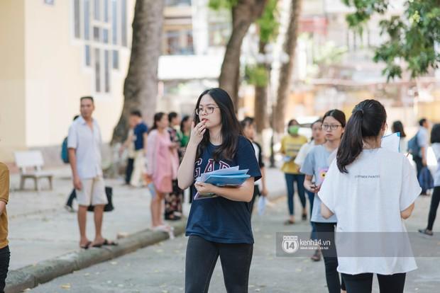 Nữ sinh con lai Việt Nga có cái tên lạ gây náo loạn tại cổng trường thi vào Học viện báo chí vì quá xinh xắn và đáng yêu - Ảnh 12.