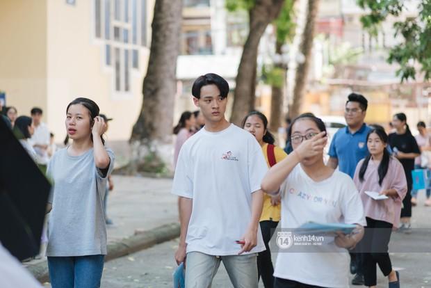 Nữ sinh con lai Việt Nga có cái tên lạ gây náo loạn tại cổng trường thi vào Học viện báo chí vì quá xinh xắn và đáng yêu - Ảnh 9.