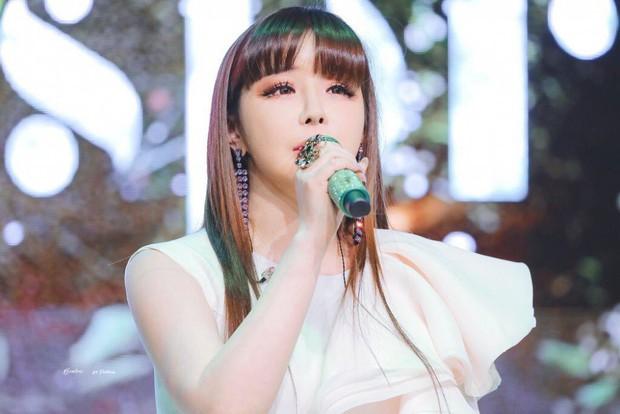 Những lần sao Hàn khiến fan phát hoảng vì nhan sắc tuột dốc không phanh: Người tăng cân quá đà, kẻ lạm dụng dao kéo - Ảnh 17.