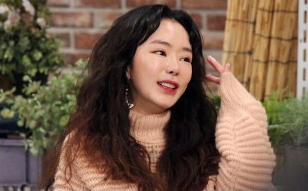 Những lần sao Hàn khiến fan phát hoảng vì nhan sắc tuột dốc không phanh: Người tăng cân quá đà, kẻ lạm dụng dao kéo - Ảnh 23.