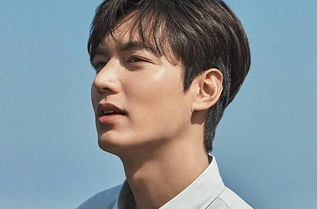 Những lần sao Hàn khiến fan phát hoảng vì nhan sắc tuột dốc không phanh: Người tăng cân quá đà, kẻ lạm dụng dao kéo - Ảnh 9.