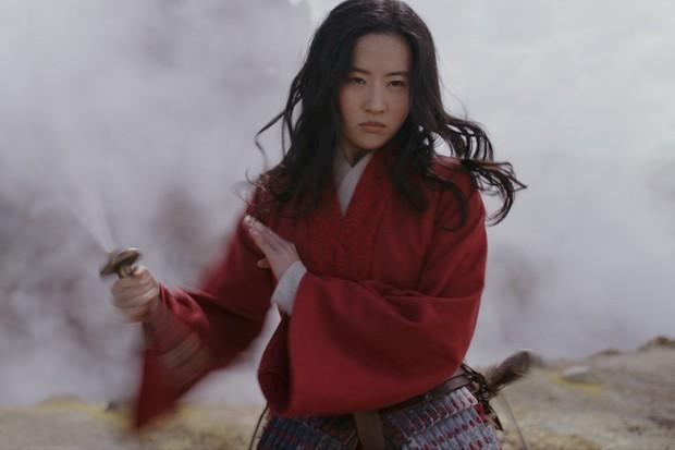 Nhìn lại biểu cảm của Mulan với Tấm ngã cây mới thấy: Mặt lạnh như tiền là có thật! - Ảnh 1.