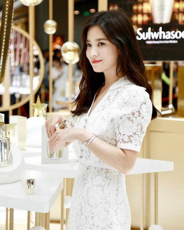 Clip đưa Song Hye Kyo lên top 1 tin hot nhất Hàn: Nhờ 1 câu nói của fan, mỹ nhân nở nụ cười đầu tiên giữa bão ly hôn - Ảnh 8.