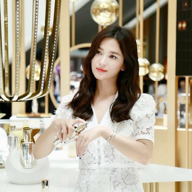 Clip đưa Song Hye Kyo lên top 1 tin hot nhất Hàn: Nhờ 1 câu nói của fan, mỹ nhân nở nụ cười đầu tiên giữa bão ly hôn - Ảnh 5.