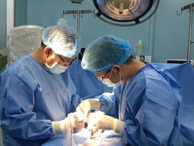 Thanh niên 19 tuổi bị ung thư tinh hoàn, bác sĩ khuyên cấp trữ tinh trùng gấp - Ảnh 1.