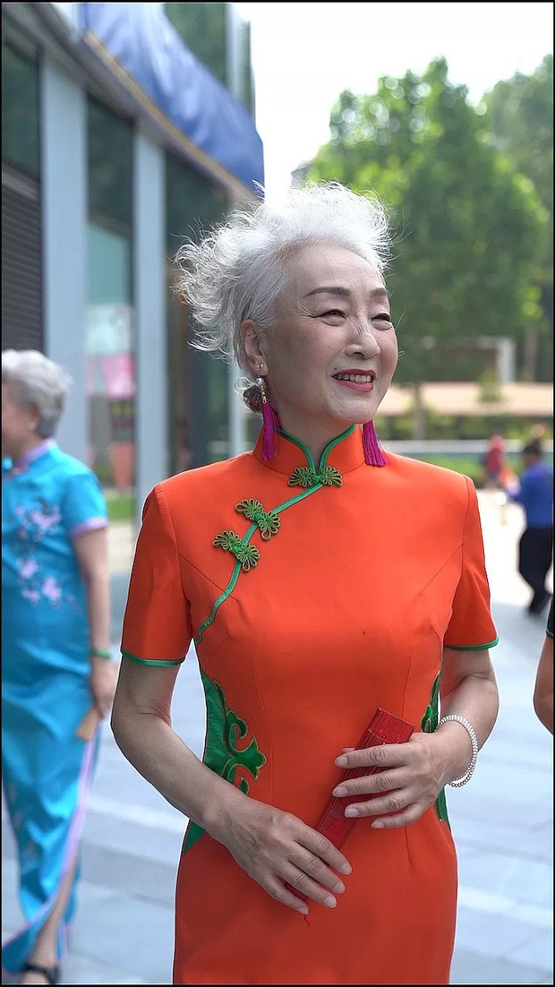 Chất như 4 bà ngoại Trung Quốc: Lúc trẻ làm to, về già theo đuổi nghiệp người mẫu để giữ khí chất sang chảnh - Ảnh 3.