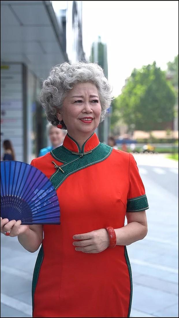 Chất như 4 bà ngoại Trung Quốc: Lúc trẻ làm to, về già theo đuổi nghiệp người mẫu để giữ khí chất sang chảnh - Ảnh 4.