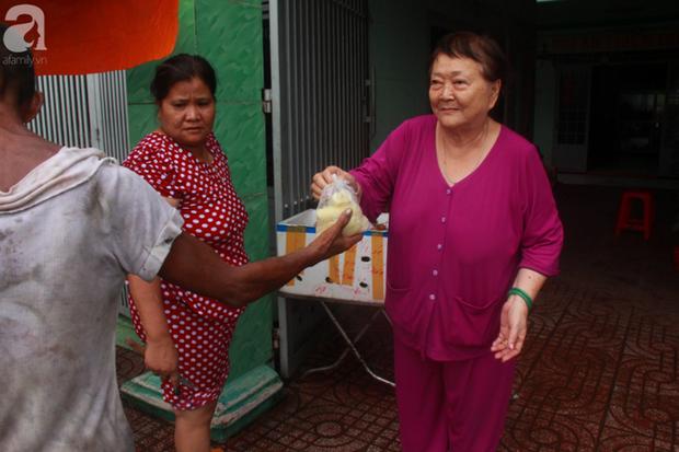 Ánh mắt cầu cứu của hơn 100 đứa trẻ tật nguyền, lớn lên bên bàn tay chăm sóc của người mẹ già 82 tuổi - Ảnh 5.