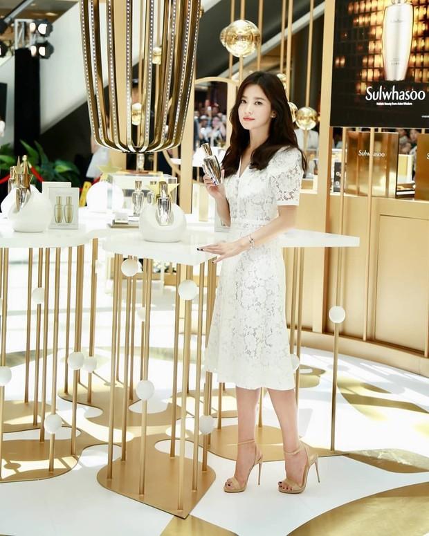 Clip đưa Song Hye Kyo lên top 1 tin hot nhất Hàn: Nhờ 1 câu nói của fan, mỹ nhân nở nụ cười đầu tiên giữa bão ly hôn - Ảnh 4.